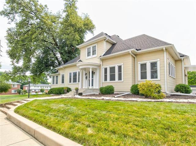 1802 Washington Street, Columbus, IN 47201 (MLS #21797973) :: Mike Price Realty Team - RE/MAX Centerstone