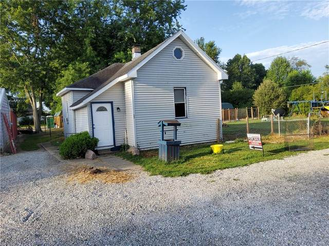 205 W Jackson Street, Fairland, IN 46126 (MLS #21799229) :: AR/haus Group Realty