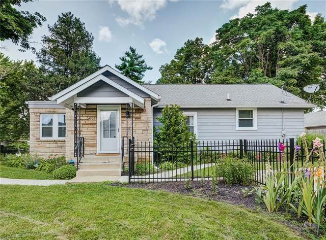 5902 E New York Street, Indianapolis, IN 46219 (MLS #21799321) :: Dean Wagner Realtors