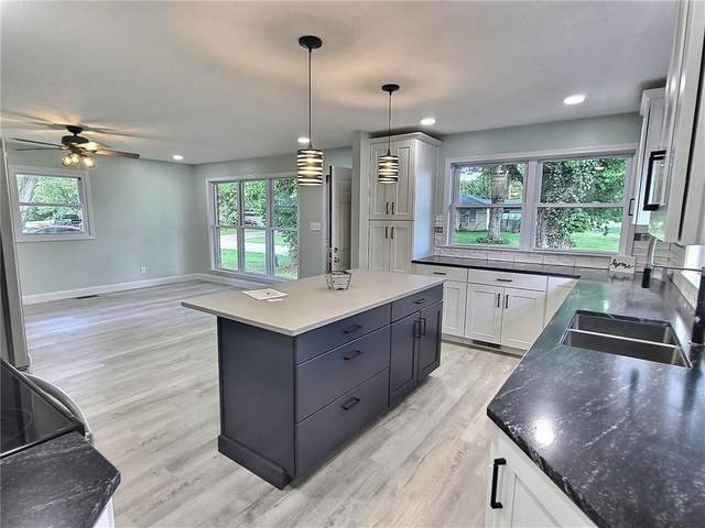 2552 N Boohers Court, Columbus, IN 47203 (MLS #21811159) :: Mike Price Realty Team - RE/MAX Centerstone