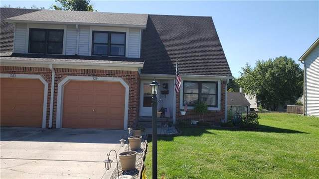 1529 Timber Village Drive, Greenwood, IN 46142 (MLS #21815384) :: The ORR Home Selling Team