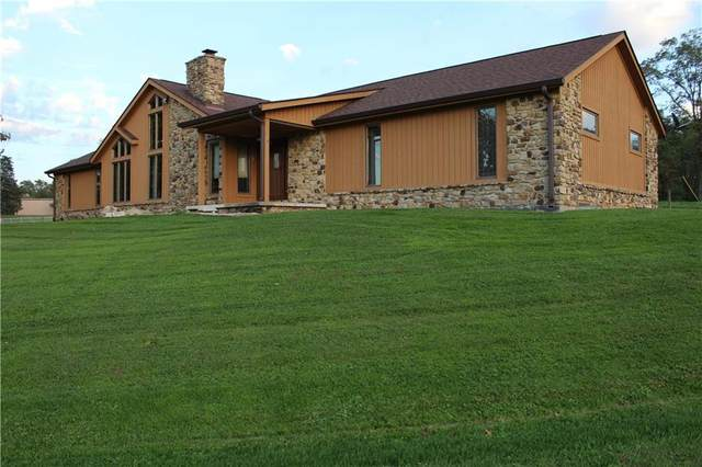 2426 S County Road 50 West, Greencastle, IN 46135 (MLS #21820339) :: AR/haus Group Realty