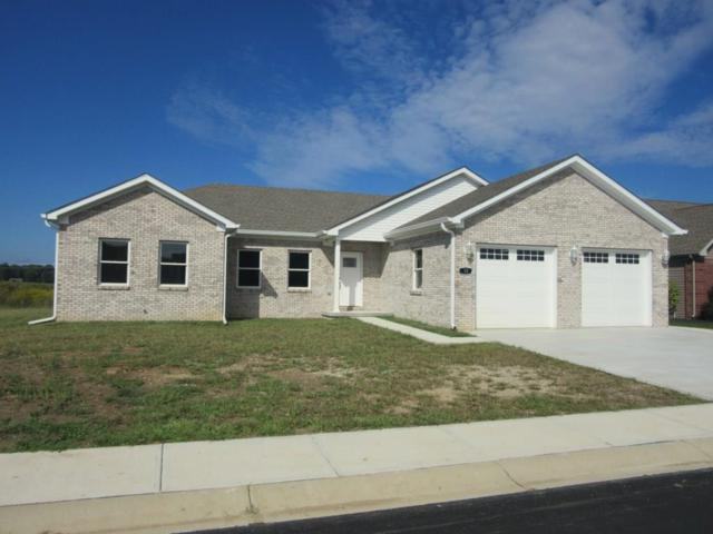 10 Shadow Wood Drive, Crawfordsville, IN 47933 (MLS #21542781) :: Mike Price Realty Team - RE/MAX Centerstone