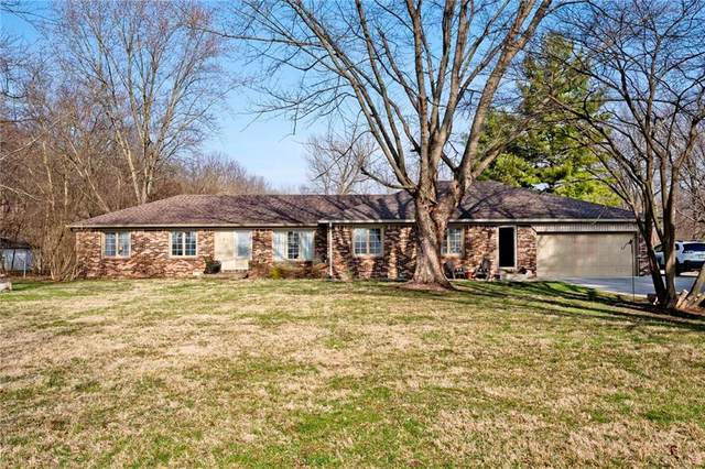 11184 N Mann Road, Mooresville, IN 46158 (MLS #21698860) :: Anthony Robinson & AMR Real Estate Group LLC