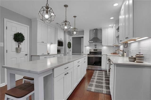 425 Bent Tree Lane, Indianapolis, IN 46260 (MLS #21743787) :: Heard Real Estate Team | eXp Realty, LLC