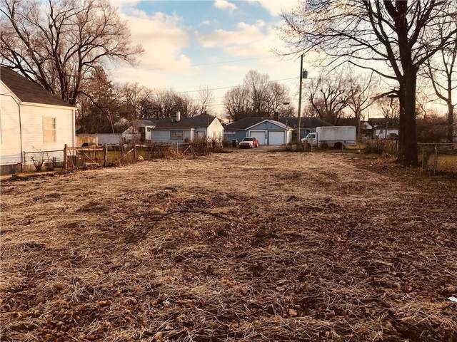 1513 W 11th Street, Anderson, IN 46016 (MLS #21752727) :: The Indy Property Source
