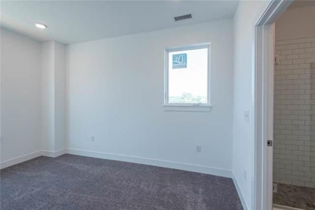 304 #312 W Kirkwood Avenue #312, Bloomington, IN 47404 (MLS #21401114) :: Richwine Elite Group