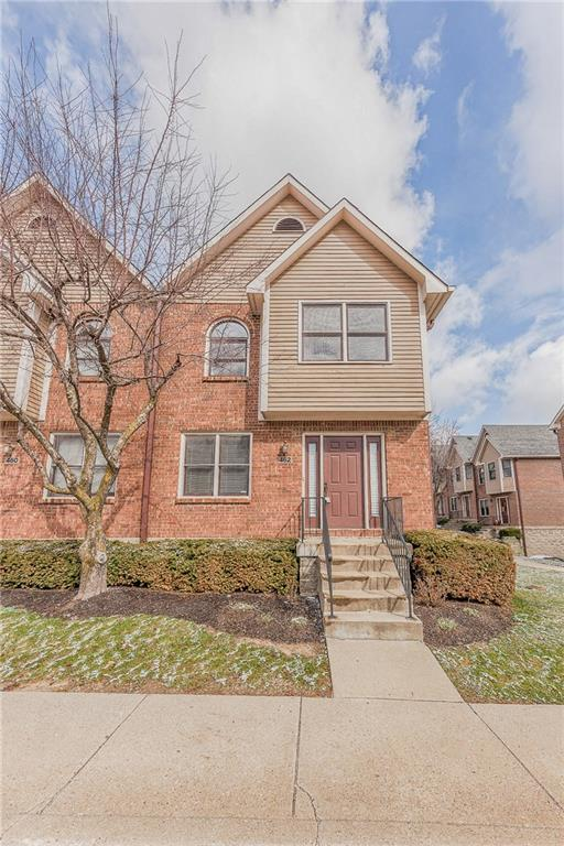 462 E 10th Street, Indianapolis, IN 46202 (MLS #21542715) :: FC Tucker Company