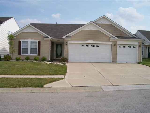 10925 Parker Drive, Avon, IN 46231 (MLS #21546906) :: The Evelo Team