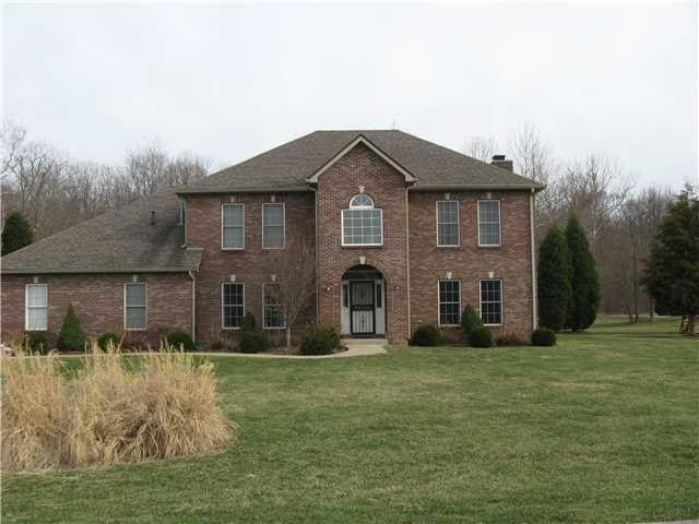 2605 Sunderland Drive, Martinsville, IN 46151 (MLS #21548036) :: Mike Price Realty Team - RE/MAX Centerstone