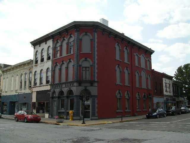 201 E Main Street, Crawfordsville, IN 47933 (MLS #21548122) :: The Evelo Team