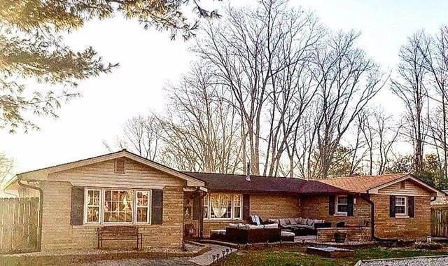 450 Shore Avenue, Martinsville, IN 46151 (MLS #21552188) :: Mike Price Realty Team - RE/MAX Centerstone