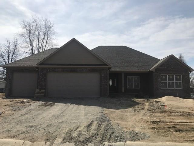 8211 Spring Valley Drive, Plainfield, IN 46168 (MLS #21552298) :: Heard Real Estate Team