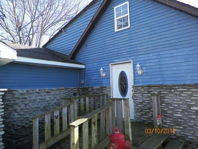 10076 N 300 W, Alexandria, IN 46001 (MLS #21552560) :: The ORR Home Selling Team