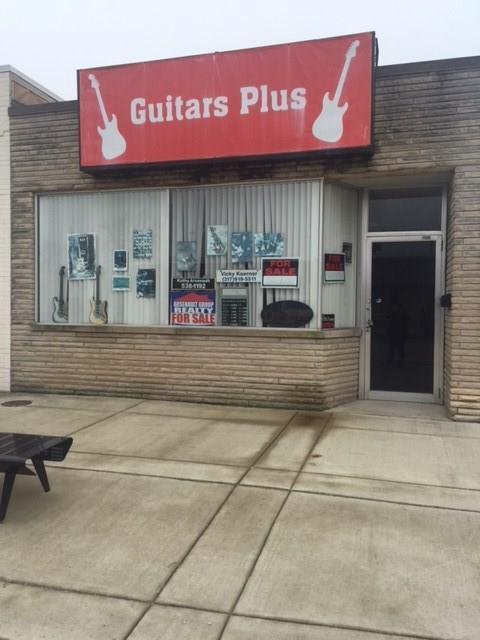 305 Main Street, Beech Grove, IN 46107 (MLS #21555113) :: FC Tucker Company
