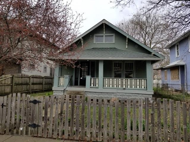618 N Bosart Avenue, Indianapolis, IN 46201 (MLS #21558751) :: RE/MAX Ability Plus