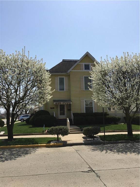 203 W Mechanic Street, Shelbyville, IN 46176 (MLS #21558985) :: Indy Scene Real Estate Team