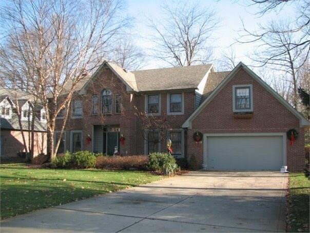 3805 S Village Drive, New Palestine, IN 46163 (MLS #21560252) :: The Indy Property Source