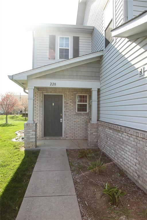 228 Clear Branch Drive, Brownsburg, IN 46112 (MLS #21562920) :: The Evelo Team
