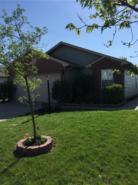 1678 Farm Meadow Drive, Greenwood, IN 46143 (MLS #21563805) :: The Evelo Team