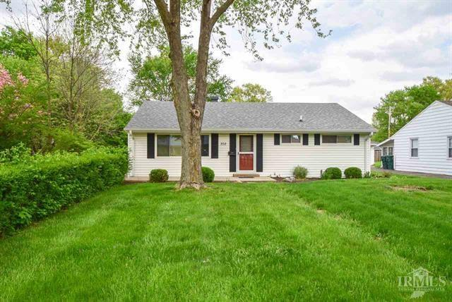 702 N Shellbark Road, Muncie, IN 47304 (MLS #21566654) :: The ORR Home Selling Team