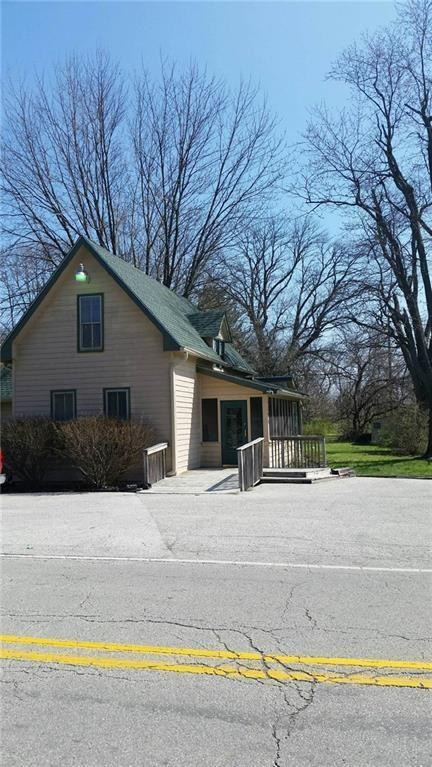4444 W 71ST Street, Indianapolis, IN 46268 (MLS #21566991) :: FC Tucker Company