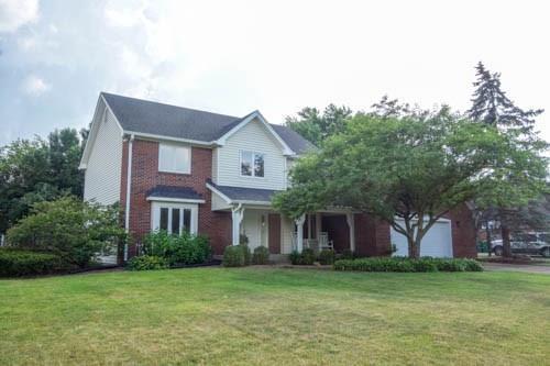17 E Greyhound Pass, Carmel, IN 46032 (MLS #21567024) :: HergGroup Indianapolis