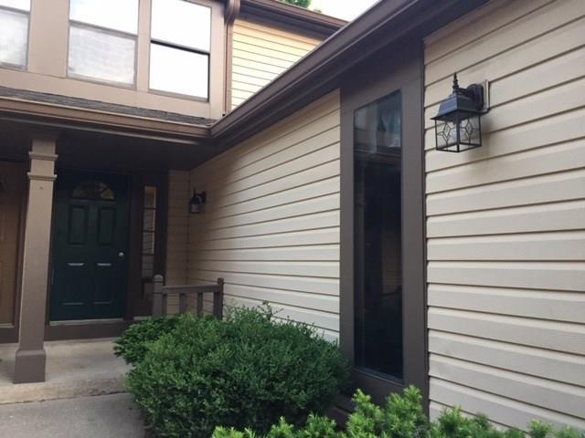 11503 Valley View Lane, Indianapolis, IN 46236 (MLS #21569995) :: Indy Scene Real Estate Team