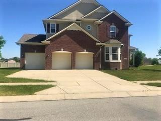 8362 Westcliffe Drive, Avon, IN 46123 (MLS #21570019) :: Mike Price Realty Team - RE/MAX Centerstone