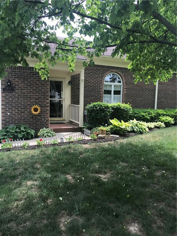 1455 Newport Lane, Zionsville, IN 46077 (MLS #21570468) :: The ORR Home Selling Team