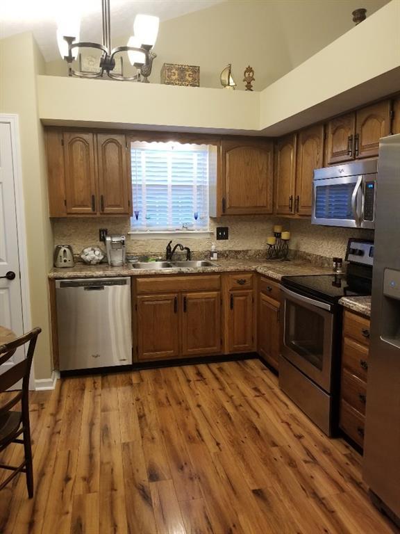 9730 River Oak Lane E, Fishers, IN 46038 (MLS #21572877) :: Indy Scene Real Estate Team