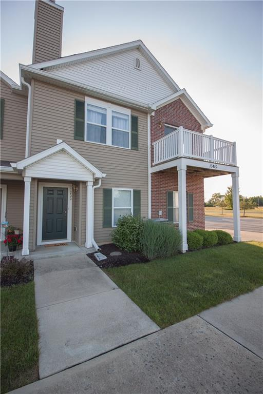 13415 White Granite Drive #1200, Fishers, IN 46038 (MLS #21574301) :: The Evelo Team