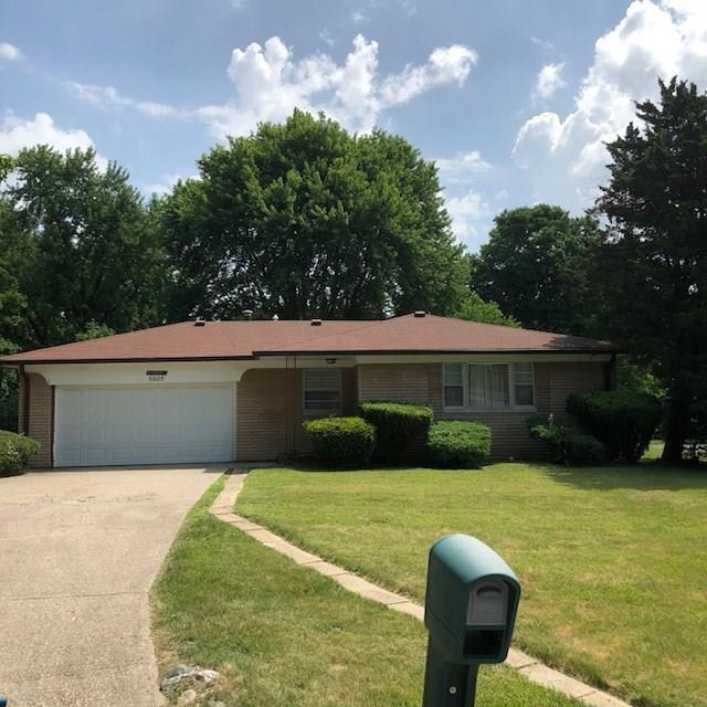 5925 Boettcher Court, Indianapolis, IN 46228 (MLS #21574656) :: The Indy Property Source