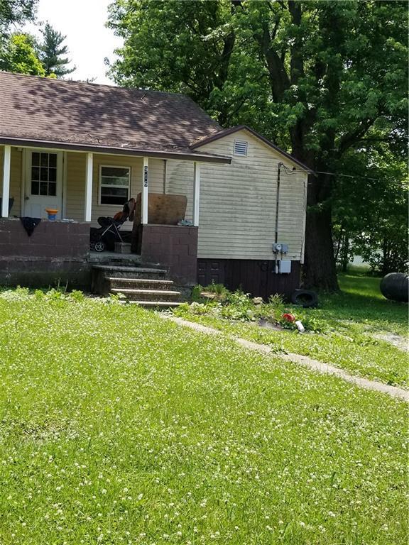 916 E 9th Street, Veedersburg, IN 47987 (MLS #21574816) :: The Evelo Team