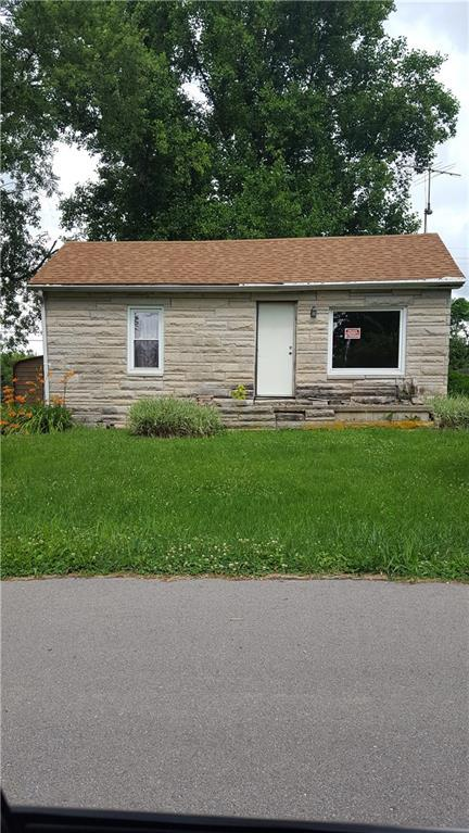 805 Walnut Street, Hope, IN 47246 (MLS #21576054) :: Indy Scene Real Estate Team