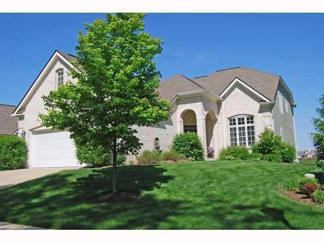 8888 Crystal River Drive, Indianapolis, IN 46240 (MLS #21578462) :: Indy Plus Realty Group- Keller Williams