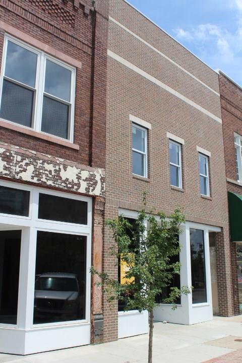 108 W Second Street, Seymour, IN 47274 (MLS #21578891) :: The Evelo Team