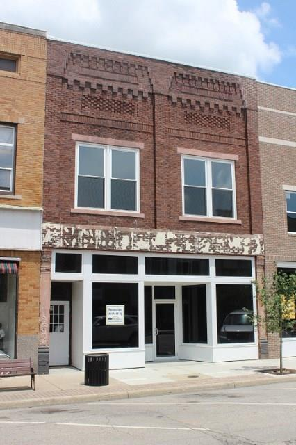 110 W Second Street, Seymour, IN 47274 (MLS #21578898) :: The Evelo Team