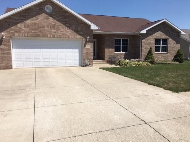 7816 W Frankie Drive, Yorktown, IN 47396 (MLS #21582369) :: The ORR Home Selling Team
