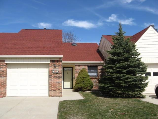 6321 Brush Run Court A, Indianapolis, IN 46268 (MLS #21582406) :: The ORR Home Selling Team