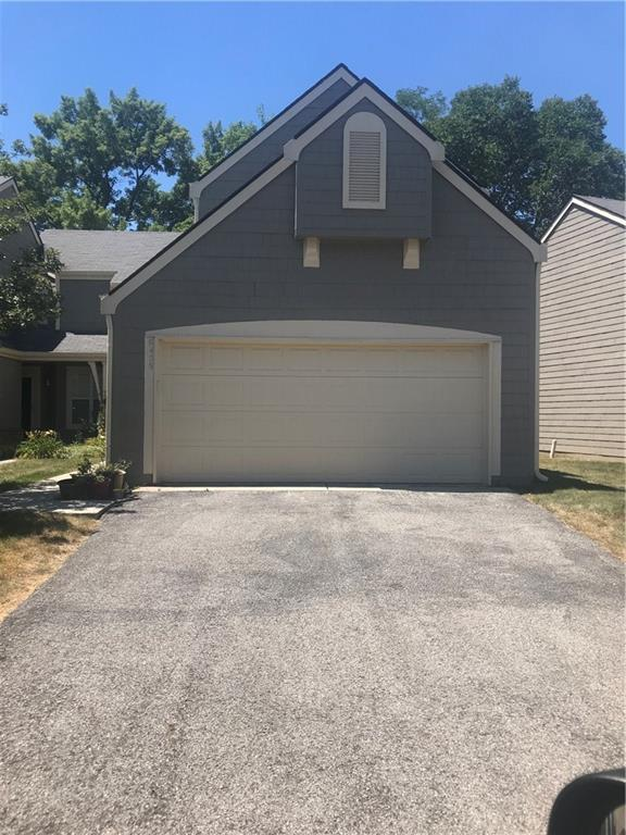 6458 Miramar Court, Indianapolis, IN 46250 (MLS #21582917) :: The ORR Home Selling Team