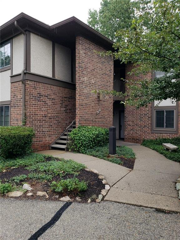 2236 Rome Drive A, Indianapolis, IN 46228 (MLS #21584901) :: The ORR Home Selling Team
