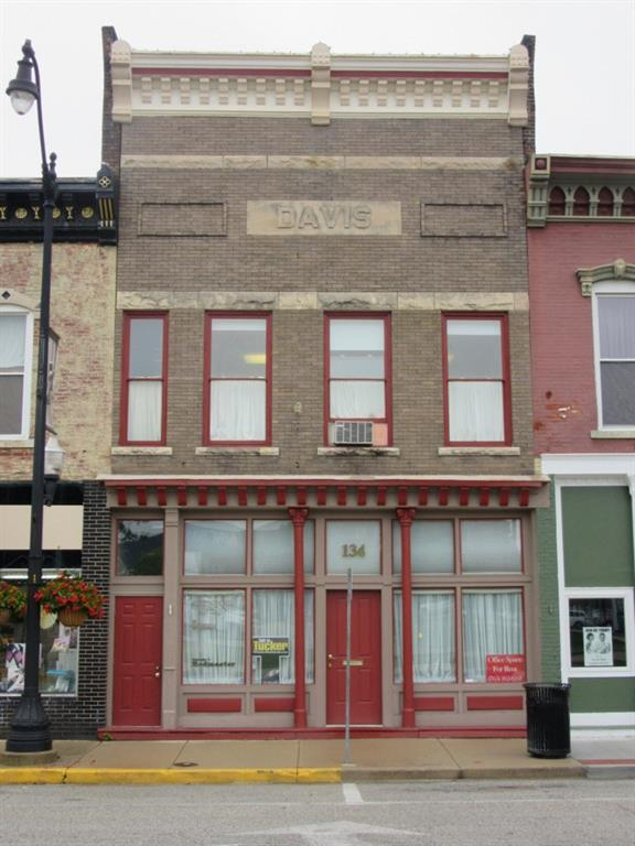 134 W Main Street, Crawfordsville, IN 47933 (MLS #21585316) :: Mike Price Realty Team - RE/MAX Centerstone