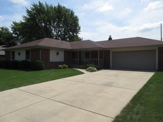 863 W Ashbourne Lane, Greenwood, IN 46142 (MLS #21588387) :: Richwine Elite Group