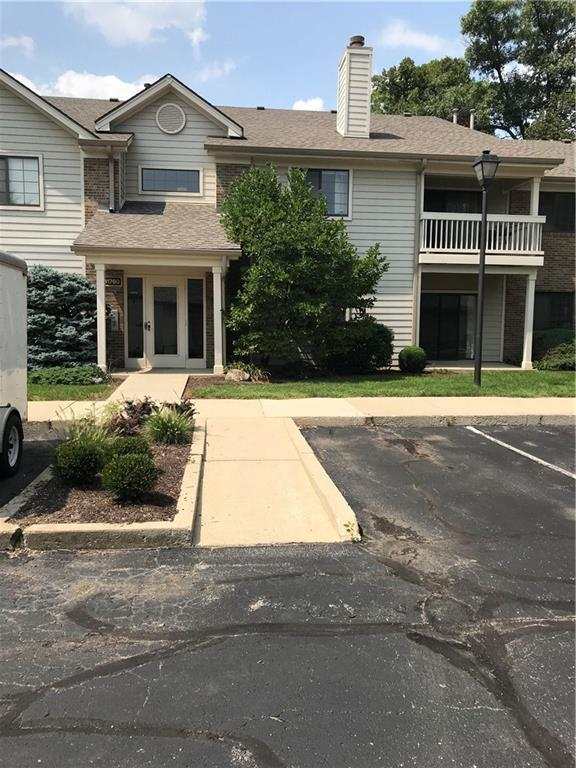 11760 Glenbrook Court #103, Carmel, IN 46032 (MLS #21590720) :: The Evelo Team