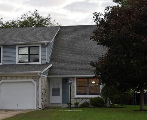 979 Maple Grove Drive, Greenwood, IN 46143 (MLS #21595029) :: FC Tucker Company