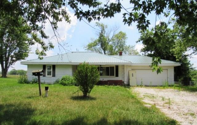 1815 E State Road 28, Alexandria, IN 46001 (MLS #21597165) :: The ORR Home Selling Team