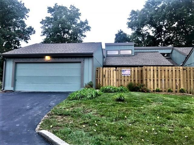 228 Sugarwood Lane #6, Avon, IN 46123 (MLS #21599548) :: Mike Price Realty Team - RE/MAX Centerstone