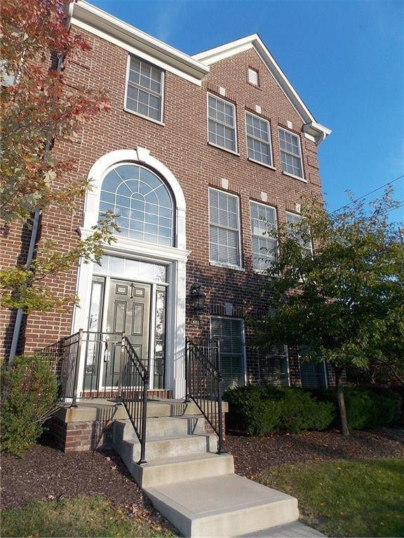 8611 N Meridian Street #1, Indianapolis, IN 46260 (MLS #21599872) :: AR/haus Group Realty