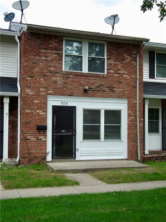 706 E Thompson Road, Indianapolis, IN 46227 (MLS #21600085) :: Indy Scene Real Estate Team